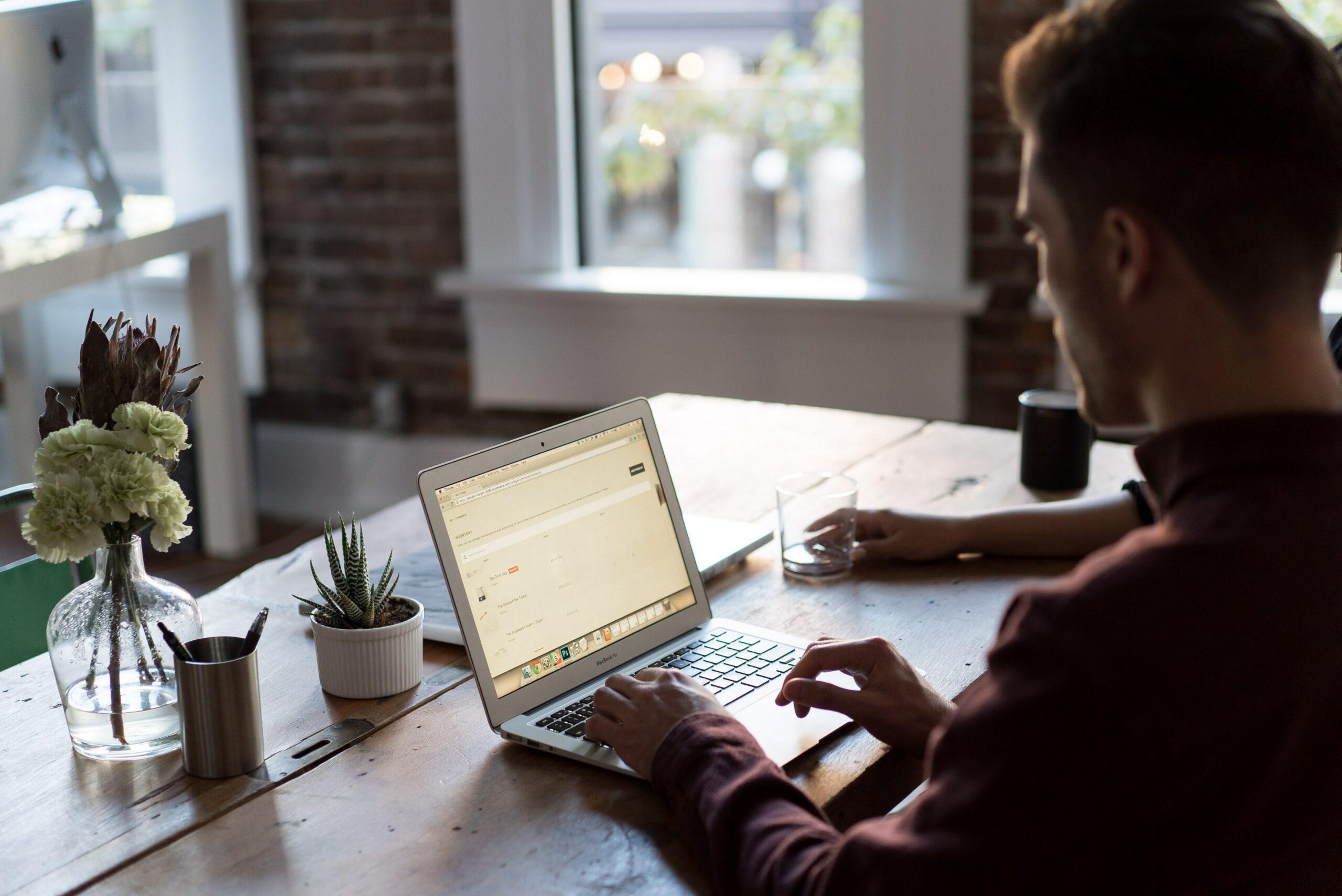 Czy copywriting to dobra praca w domu?